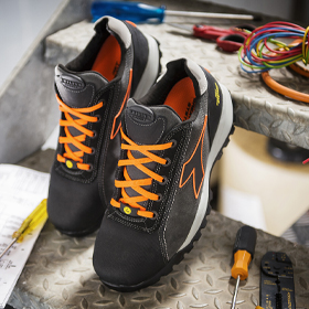 Safety Shoes and Safety Trainers